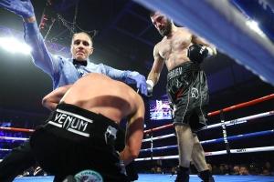 Artur_Beterbiev_vs_Oleksandr_Gvozdyk_stoppage